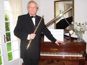 法国长笛大师凡尔赛国立音乐学院长笛教授让.米歇尔先生即将在威薇音乐文化中心进行大师公开课,敬请留意,报名afcmc